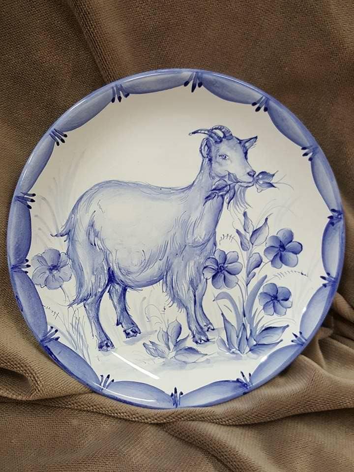 Декоративная керамическая настенная тарелка