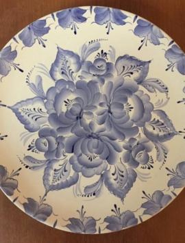 Декоративная роспись тарелки
