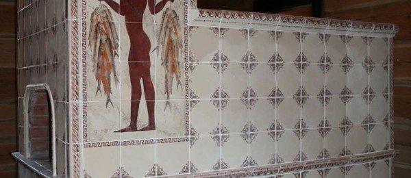 Печь с лежанкой в греческом стиле