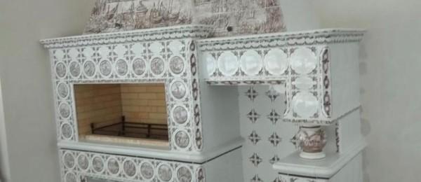 Мангальный комплекс изразцовый с панно